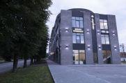 Продаж | Офіси - Хмельницький Цiна: 198 000грн. 8 267 $7 500 €(за курсом НБУ) Кількість кімнат:  3 Площа:  14/1/1 кв.м. - Офіси на DIM.KM.UA